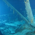 Titanic under water - The front